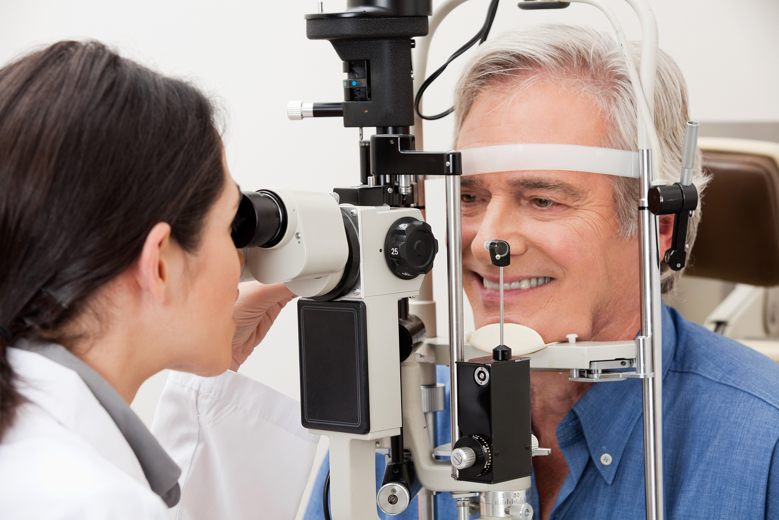 photo of a patient getting an eye exam for diabetic retinopathy